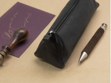 【Clairefontaine|Leather pencil cases】_植鞣小羊皮革拉鍊軟袋 _三角形_黑色
